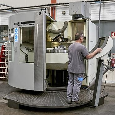 Fresadora CNC - DMU - 100T
